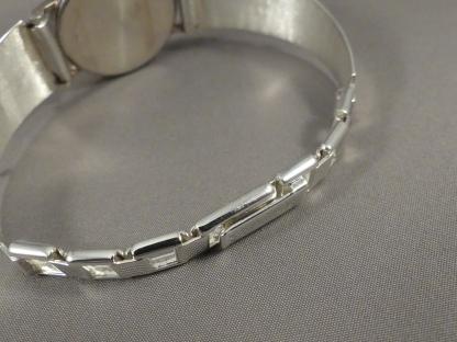 zilveren dameshorloge met verstelbare band