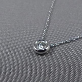 witgouden ketting met diamant
