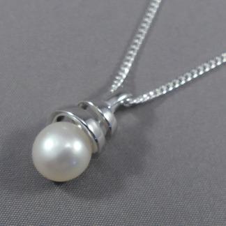 zilveren hanger met parel
